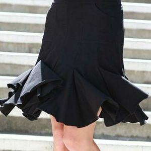 Black Pocket Skirt